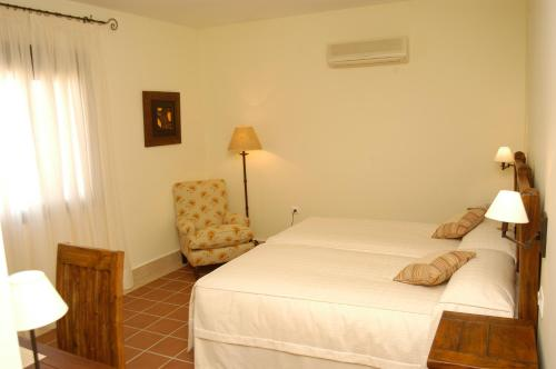Economy Double or Twin Room Hotel Sindhura 6