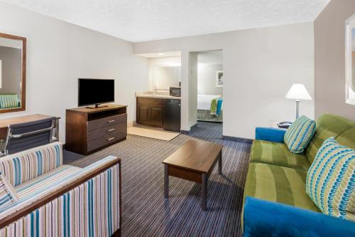 Holiday Inn Hotel & Suites Oklahoma City North - Oklahoma City, OK 73118