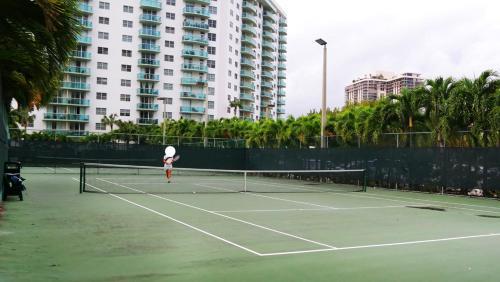 Apartments In Sunny Isles Collins Avenue - Sunny Isles Beach, FL 33160