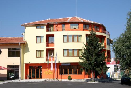 Hotel Grand, Samokov