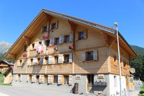 Les Promenades en Montagne - Apartment - Château d'Oex
