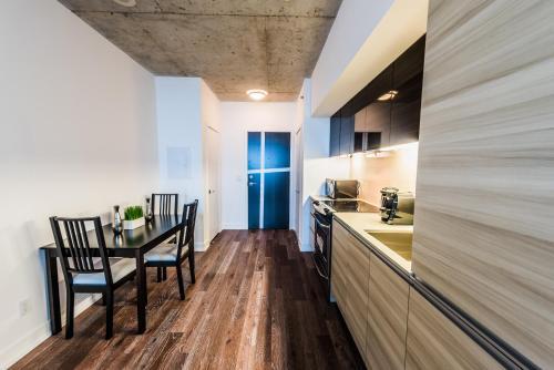 Gladstone Suites   Toronto Central