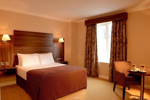 . Dillon's Hotel