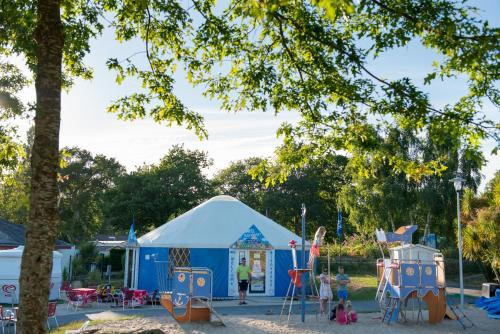 Camping Domaine De Kerlann Pont Aven Prices Photos And