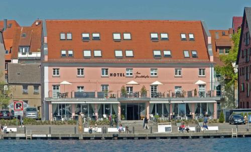 . Hotel Am Yachthafen