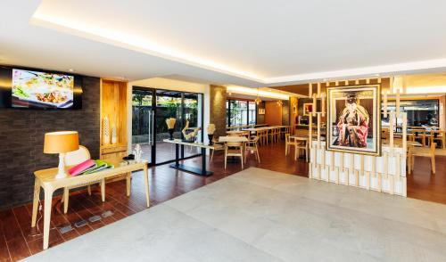 Baron Residence Bangkok photo 32