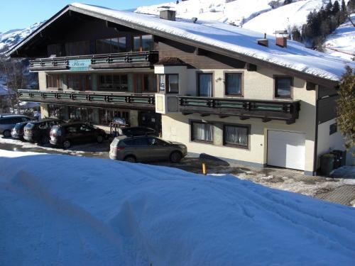 Hotel-Pension Flora - Accommodation - Saalbach Hinterglemm