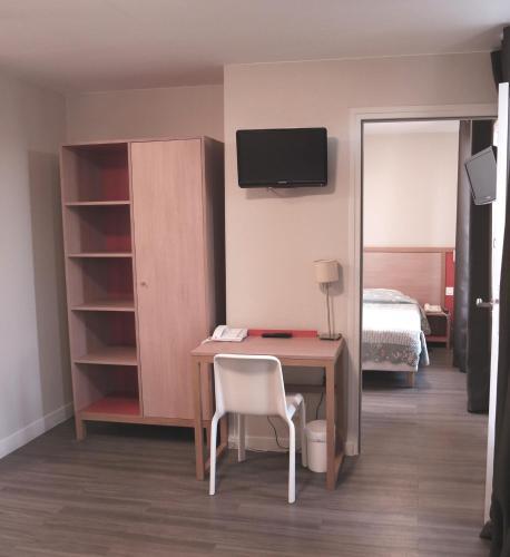 Est Hotel photo 15