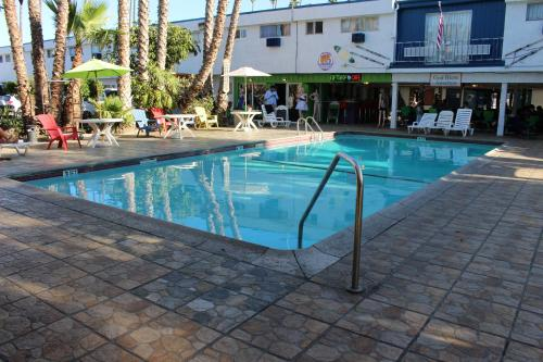 Los Angeles Adventurers All Suite Hotel