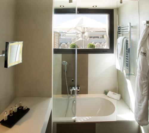 Premium Double or Twin Room Hotel Murmuri Barcelona 19