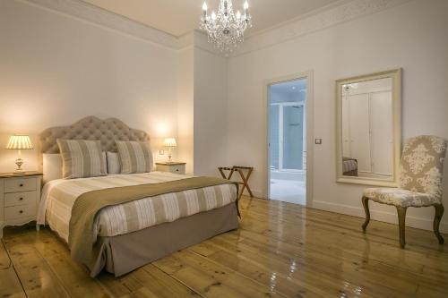 Habitación Doble Deluxe interior Hostal Central Palace Madrid 13