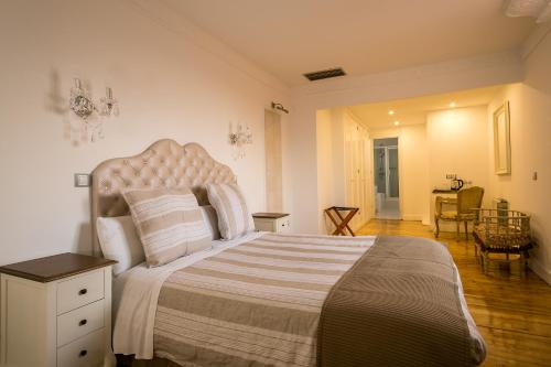 Deluxe Double Room Hostal Central Palace Madrid 23