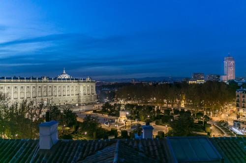 Habitación Doble Deluxe Hostal Central Palace Madrid 15