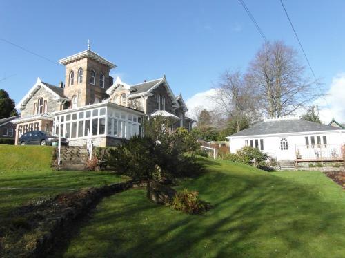 Holly Lodge, Strathpeffer