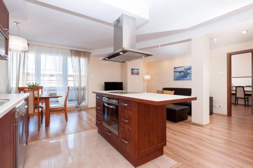. Sunny Apartments Jantar