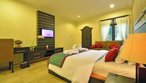 Special Offer - Puri Honeymoon Package at Super Deluxe Double Room
