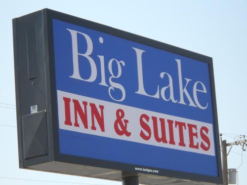 Фото отеля Big Lake Inn and Suites