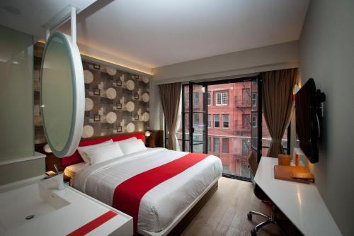 NobleDEN Hotel Номер с кроватью размера «king-size» и «балконом Джульетты»