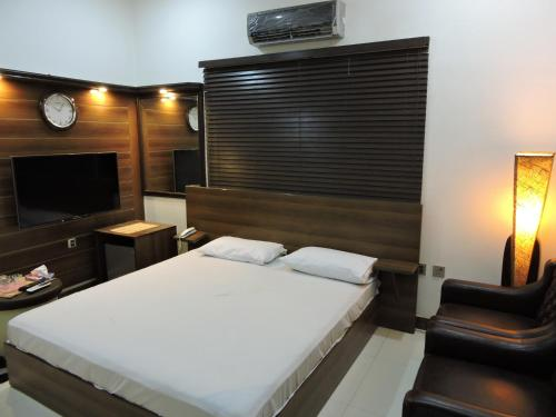 . Jannat Guest House Hyd
