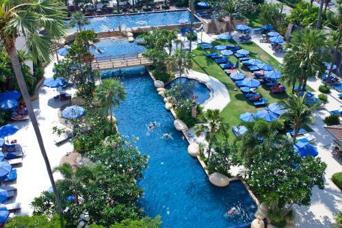 . Jomtien Palm Beach Hotel and Resort