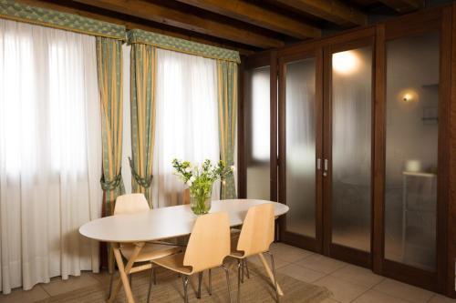 Casanova Fourrooms room photos