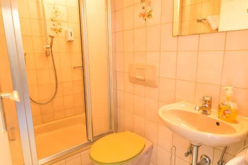 Hotel Zum Lieben Augustin photo 28
