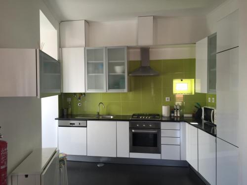 MODERN Conde Barão - SSs Apartments - image 11