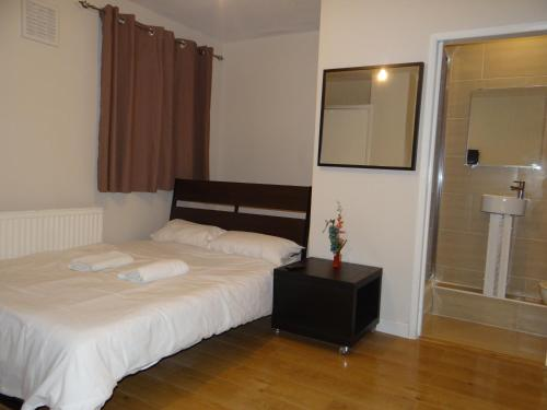 Vallance Road House (B&B)