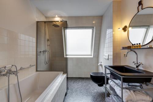 Hotel V Nesplein photo 16