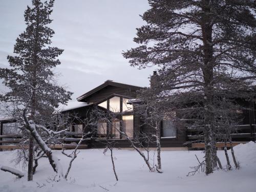 Four-Bedroom Villa 3 with Sauna- Mäntytie 14