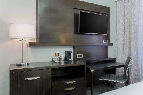 Courtyard by Marriott San Francisco Union Square - image 7