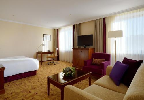 Moscow Marriott Royal Aurora Hotel - image 8