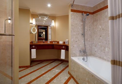 Moscow Marriott Royal Aurora Hotel - image 5