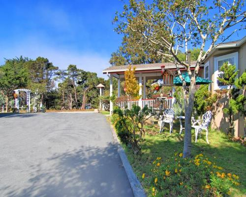 Stupendous Bide A Wee Inn And Cottages Pacific Grove Reservations Online Home Interior And Landscaping Mentranervesignezvosmurscom