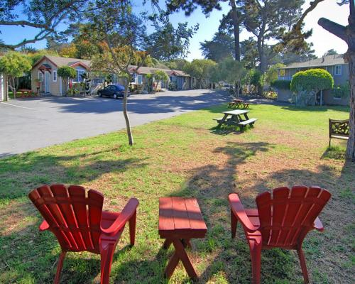 Stupendous Bide A Wee Inn And Cottages Pacific Grove Ca Beutiful Home Inspiration Xortanetmahrainfo