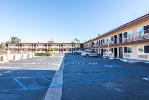 Sea Rock Inn-Los Angeles - Los Angeles, CA 90247