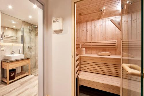 Superior Two-Bedroom Apartment with Balcony and Sauna