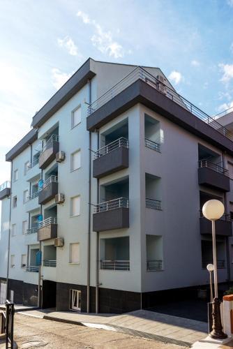 . Apartmani Barović Bečići