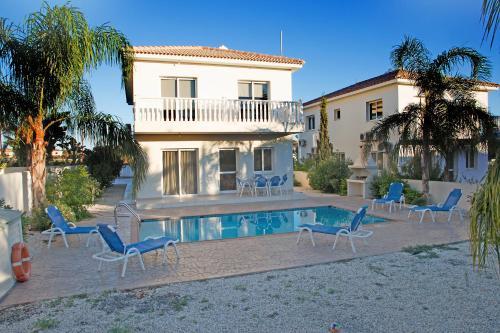 Hara Nissi Beach Villas
