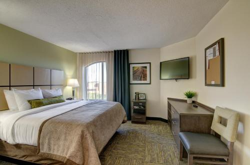 Candlewood Suites Richmond - West Broad photo 2