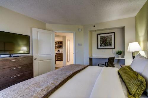 Candlewood Suites Richmond - West Broad photo 3