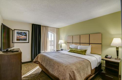 Candlewood Suites Richmond - West Broad photo 5