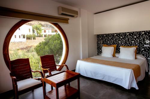 Habitación Doble Superior con vistas al mar y bañera de hidromasaje Boutique Hotel El Tio Kiko 13