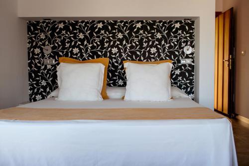 Habitación Doble Superior con vistas al mar y bañera de hidromasaje Boutique Hotel El Tio Kiko 5