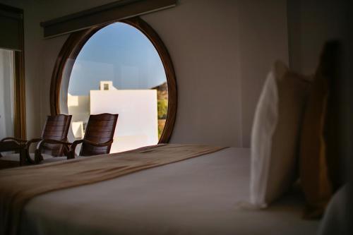Habitación Doble Superior con vistas al mar y bañera de hidromasaje Boutique Hotel El Tio Kiko 12