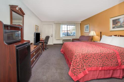 Days Inn By Wyndham Grand Junction - Grand Junction, CO 81506