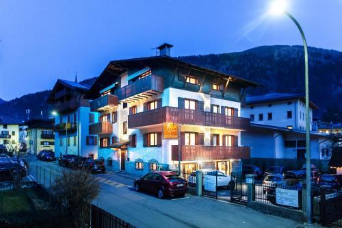 Residence Alpen Casavacanze Pinzolo