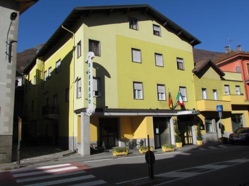 . Hotel Emiliana