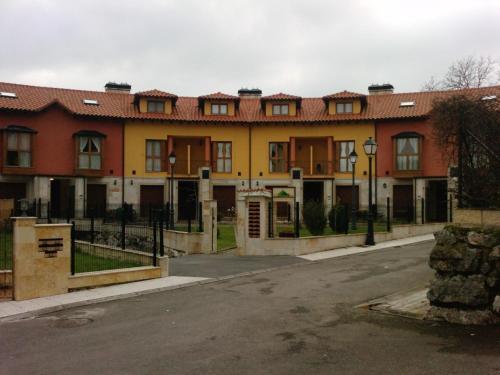 . Apartamentos - El Bosquin