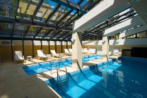 Radina's Way Hotel - Borovets